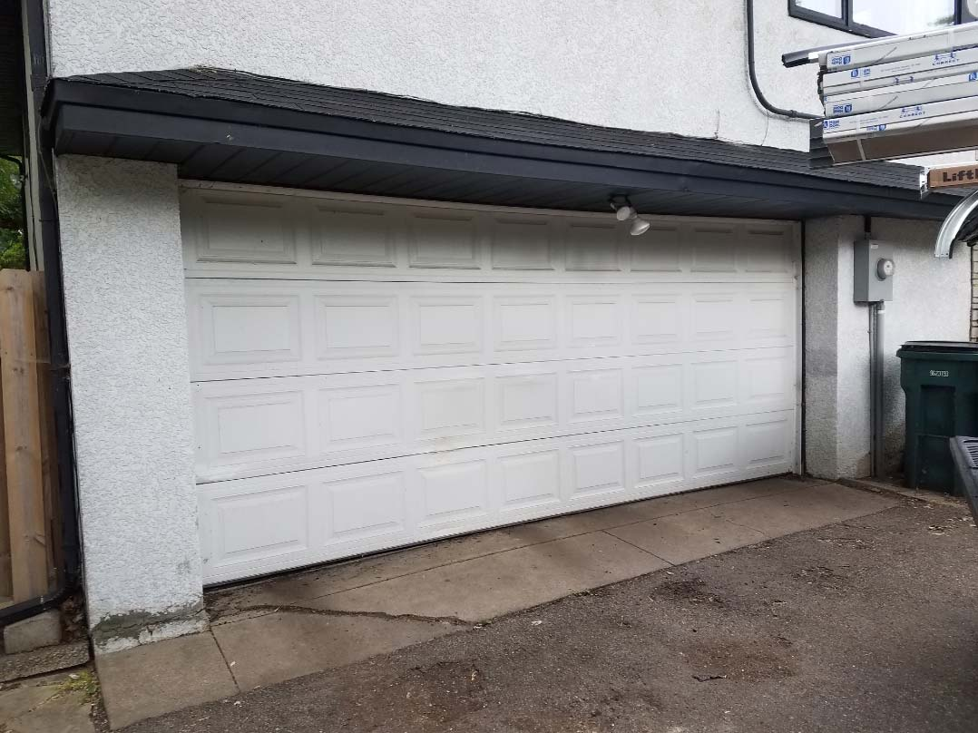 Garage Door Before Photo 3