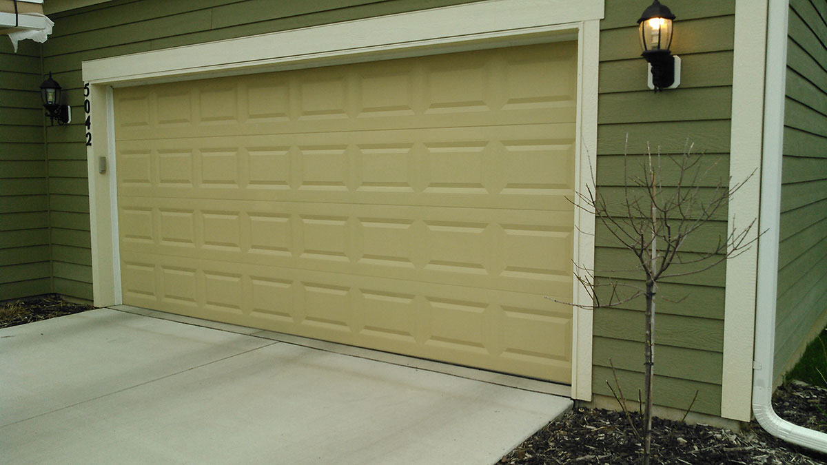 Garage Door Before Photo 4